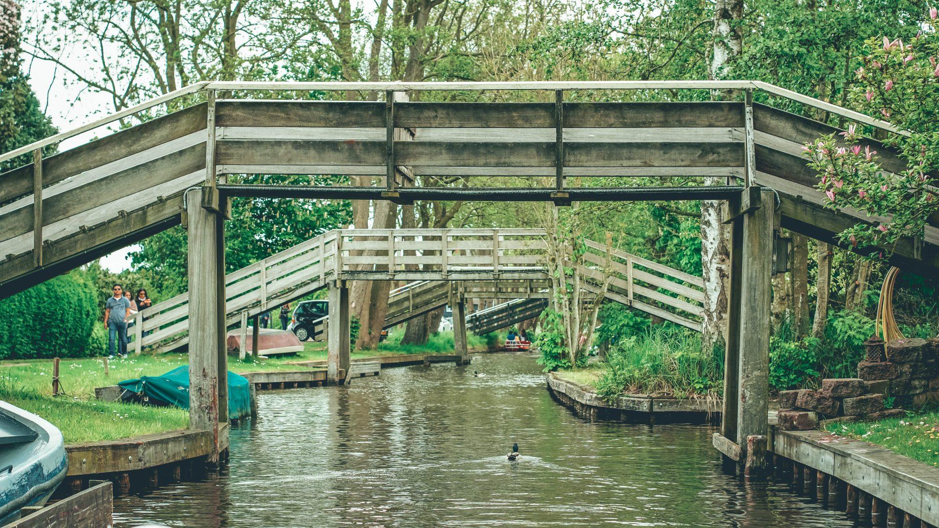 Visitar Giethroorn la Venecia de Holanda
